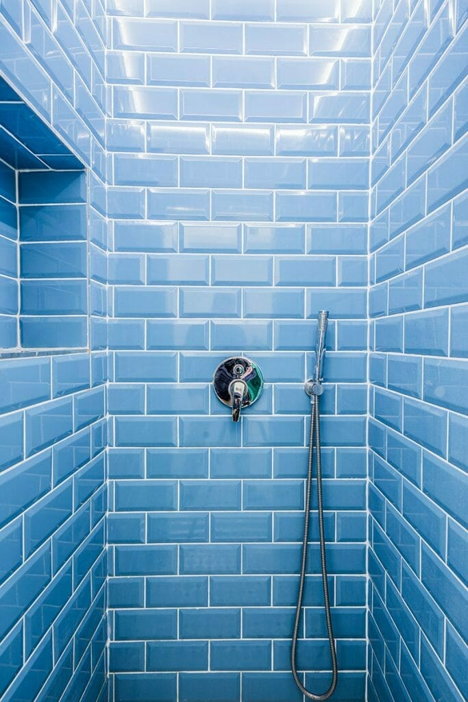 The Mom Sanctuary: Bathroom Trends Colorful Tilework