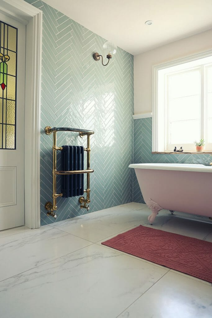 The Mom Sanctuary: Bathroom Trends Fancy Tub Time